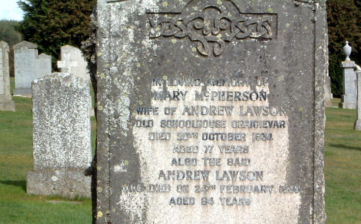 Grave of Postie Lawson and his Wife