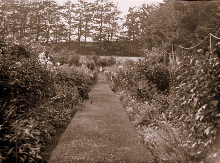 The gardens at Littlewood Park