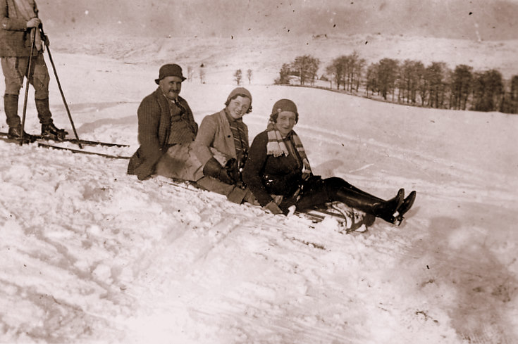 Skiing and sledging at Clova