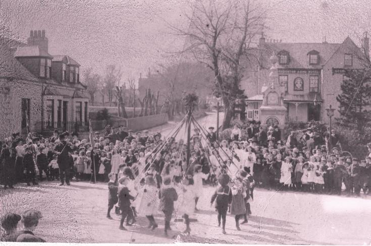 Maypole dancing in Alford