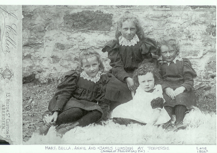 Members of the Lumsden family at Terpersie