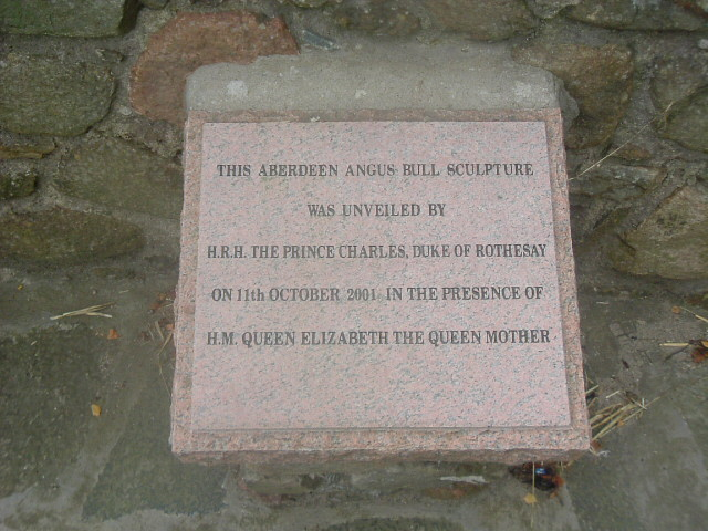 Plaque at Alford Bull monument.