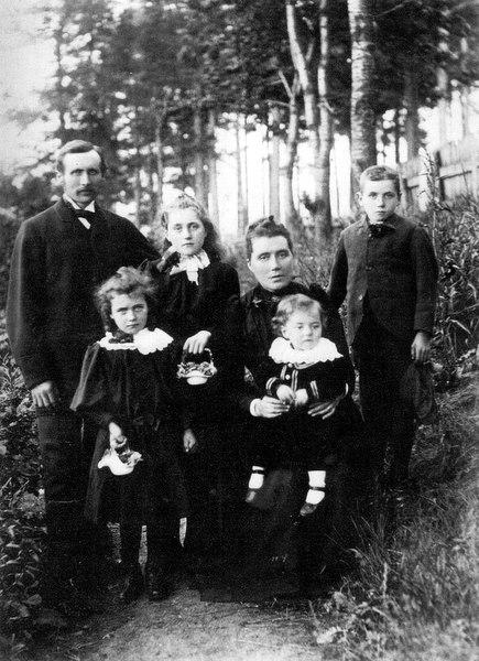 The Davidson Family at Whitehouse